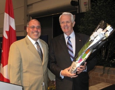 4684_dean_shoemaker_and_mp_john_carmichael_at_canada_blooms_2012_3201._agcanada