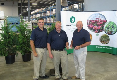6406_web_plant_products_in_ancaster_with_kelly_devaere_chris_stickles_and_gorden_jahn