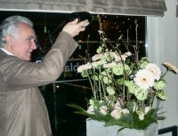 4030_ducasse_with_gerbera_and_champagne