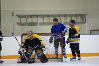 1652_bruins_goalie